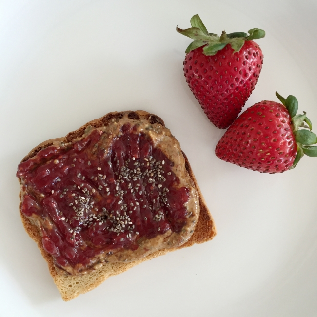 Open-faced PB&J with superseeds on joyfetti.com