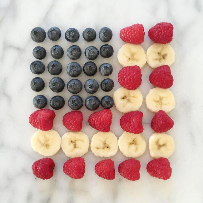 American flag made out of fruit on joyfetti.com #JOYFETTI