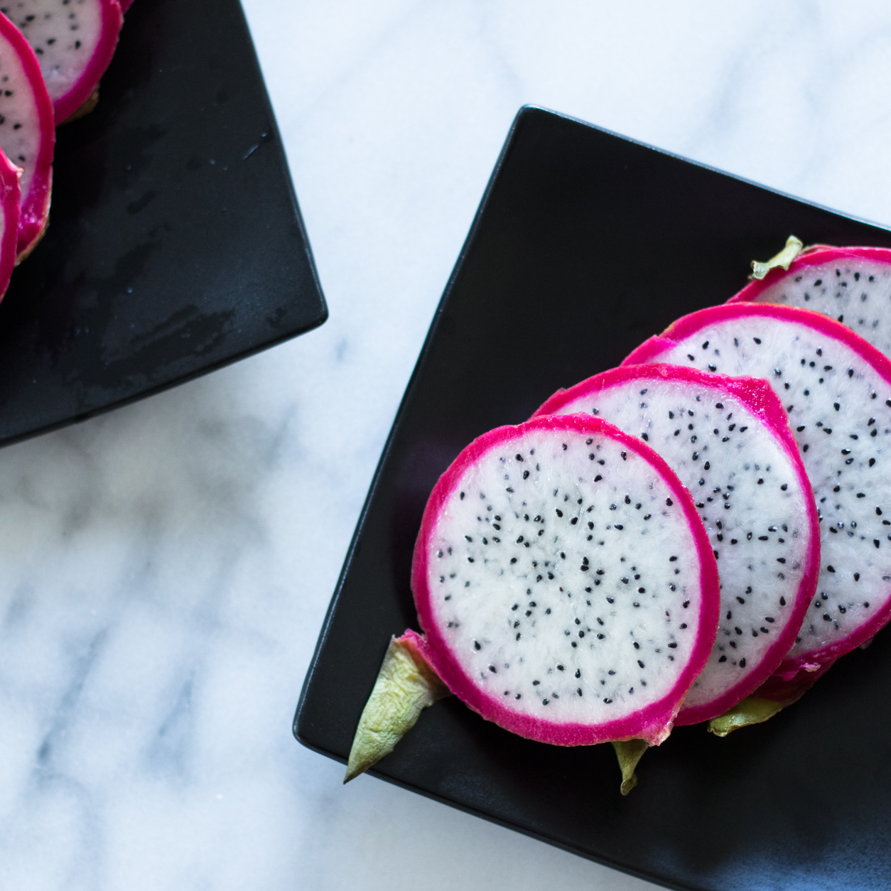 Health benefits of dragon fruit_dragon fruit slices_joyfetti.com