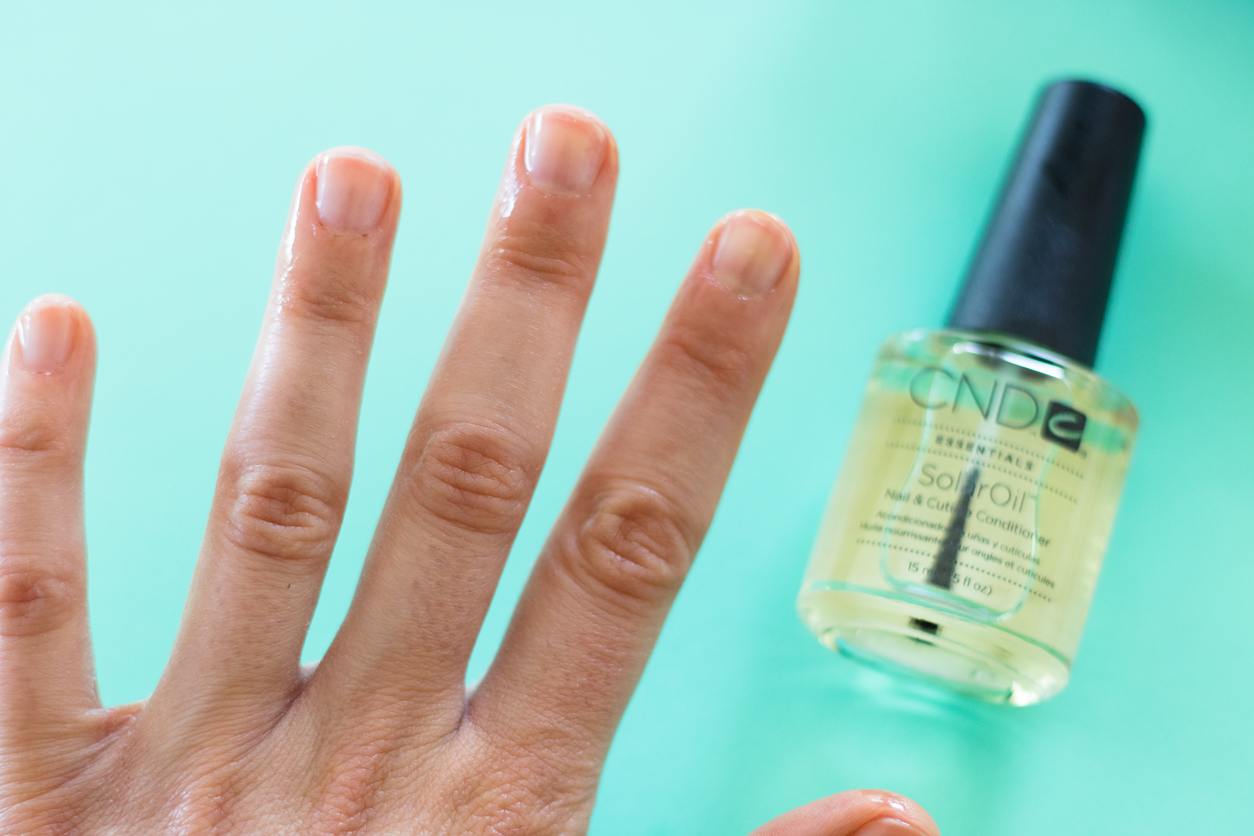 How to Do a Better At-Home Manicure ( Expert Tips! )_cuticle oil_joyfetti.com
